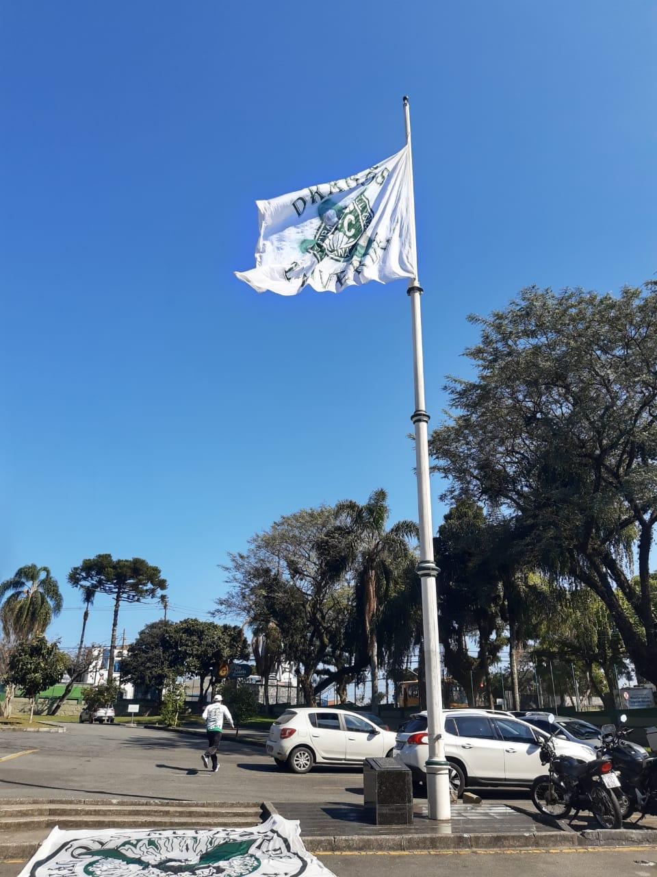 Bandeira Dragões - Mastro 20-07-2019